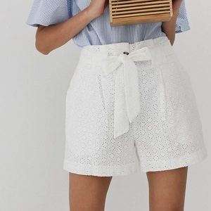 ASOS White Belted Broderie Shorts - NWOT - Size 14